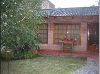 CompartoDepto AR - Ofrecemos habitación casa familiar - Morón, Gran Buenos Aires Zona Oeste - AR$ 2.700 por mes