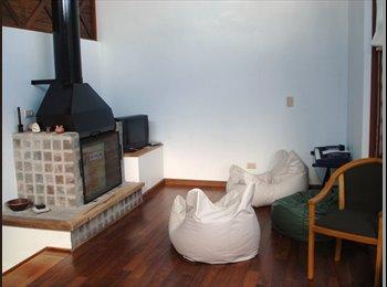 CompartoDepto AR - Gran Casa de familia internacional - La Plata, La Plata y Gran La Plata - AR$ 4.000 por mes