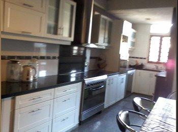 habitacion  individual , con servicio de lavanderia