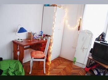 Alquilo habitacion! Bien ubicada y luz natural