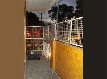 Habitación Individual  en caballito / flores:  Av Gona 2700