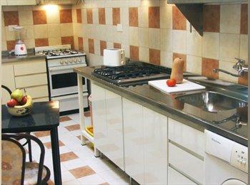 CompartoDepto AR - Habitacion single en Monserrat, Buenos Aires - AR$ 6.100 por mes