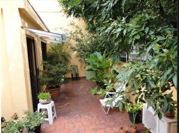 CompartoDepto AR - Hermosa habitación con baño privado en casa con terraza y quincho - Almagro, Capital Federal - AR$ 4.300 por mes
