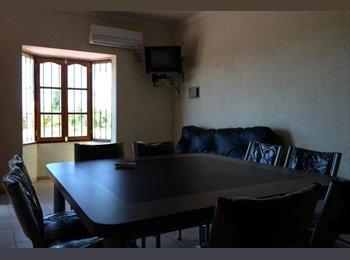CompartoDepto AR - Excelente Habitación  - Mendoza Capital, Mendoza Capital - AR$ 350 por mes