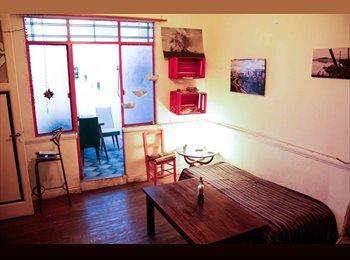 CompartoDepto AR - Comparto hermosa casa PH en Villa Crespo! - Villa Crespo, Capital Federal - AR$ 3.000 por mes