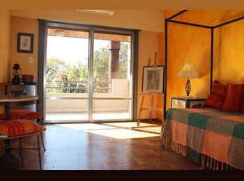 Habitación privada en alquiler: Casa en  zona exclusiva...