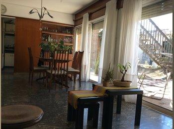 CompartoDepto AR - Hermosa Casa-Luminosa-Amplia-Patio, Córdoba Capital - AR$ 4.000 por mes