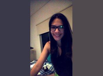 Nathalia  - 21 - Estudiante