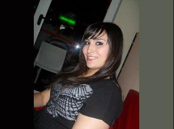 Paola  - 26 - Estudiante
