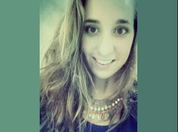 Sara   - 20 - Estudiante