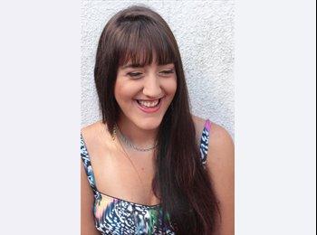 María  - 23 - Estudiante
