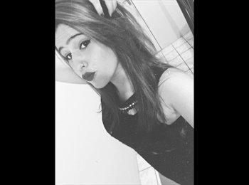 Nathalia - 18 - Estudiante