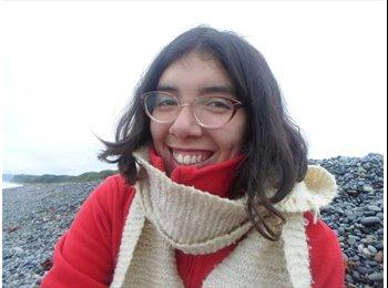 Evaluna Leal Salas - 21 - Estudiante