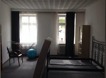 EasyWG AT - WG-Mitbewohnerin gesucht für 2er WG mit Terrasse - Wien 17. Bezirk (Hernals), Wien - 350 € pm