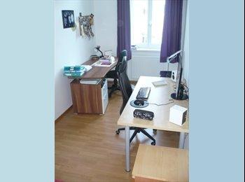 10,5 m² Zimmer in 2er-WG mit Wohnzimmer (Aug-Sept)