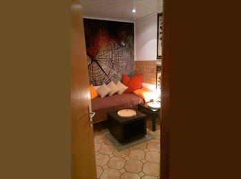 Hübsches kleines WG-Zimmer in Haus mit Garten im Grünen