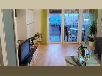Zimmer mit Balkon sucht Mitbewohnerin