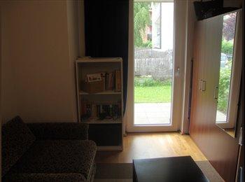 EasyWG AT - Möbliertes Zimmer in netter 3-er WG, Innsbruck - 420 € pm