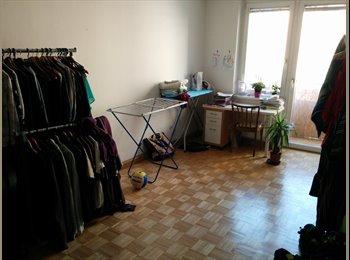Zwei(Drei) Zimmer in 2-3er-WG