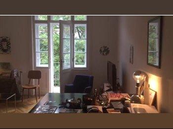 EasyWG AT - Suche Mitbewohnerer/in für große Wohnung mit Balkon, Wien - 550 € pm