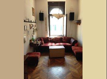 Zimmer (14qm), zentral, sucht...