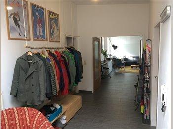 EasyWG AT - Zimmer in geräumiger WG mit zwei großen Terrassen, Innsbruck - 465 € pm