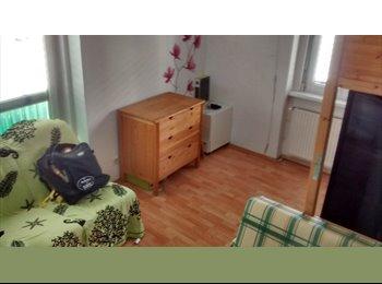 EasyWG AT - Zimmer in einer 3er-WG mit 2 netten Mitbewohnern ab 01.03.2017 zu vergeben., Wien - 324 € pm