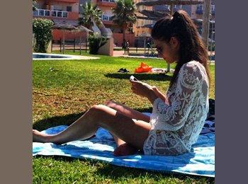 Cristina - 20 - Student