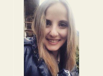 Elisabeth Hedegger - 18 - Student
