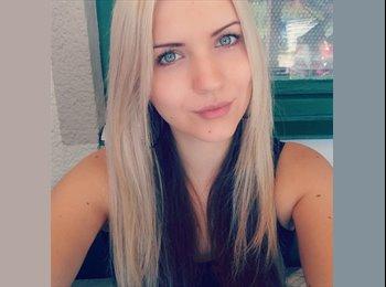 EasyWG AT - Jennifer - 24 - Austria