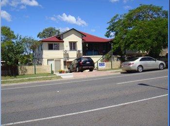 EasyRoommate AU - Fabulous new s/c apartment, Woodridge - $250 pw