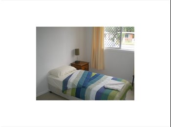 EasyRoommate AU - Female Share Accommodation - Mooroobool, Cairns - $90 pw