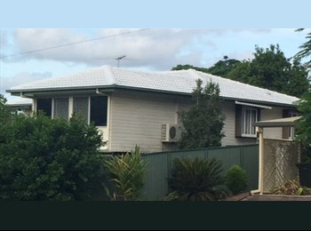 EasyRoommate AU - Chermside West - House Share - Clean, reliable flatmate wanted, Red Hill - $150 pw