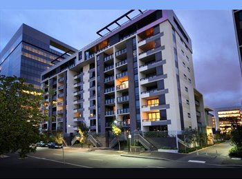 EasyRoommate AU - Docklands room available. - Docklands, Melbourne - $334 pw