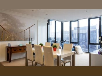 EasyRoommate AU - SUB-PENTHOUSE LIVING IN SOUTHBANK!! - Southbank, Melbourne - $320 pw