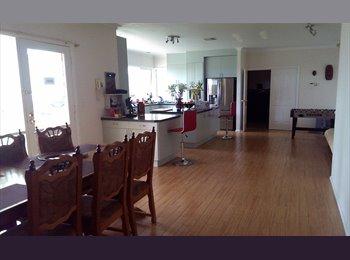 EasyRoommate AU - Warrandyte - executive house, 3 acres private - Warrandyte, Melbourne - $185 pw