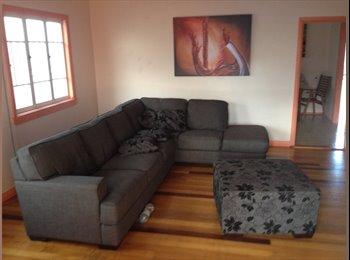 Room to rent in amazing queenslander