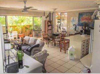 Room for couple. Burleigh Heads $250pw