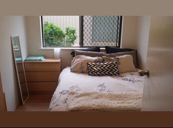 Fully furnished queen sized room