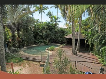 EasyRoommate AU - Very larger room to rent in lovely Queenslander, Cairns - $200 pw