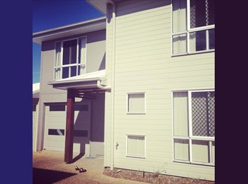 SOUTH GLADSTONE TOWNHOUSE - $140 PER WEEK