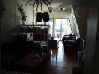 EasyRoommate AU - SHARE HOUSE FOR TRAVELLERS/STUDENTS/INTERNS - Port Melbourne, Melbourne - $150 pw