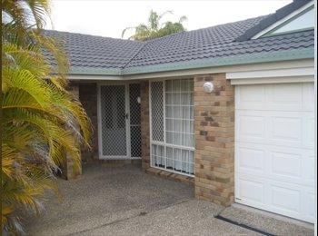 EasyRoommate AU - Parkwood House Fully Furnished Single Room to Rent - Parkwood, Gold Coast - $180 pw