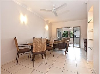 EasyRoommate AU - Edgehill Modern unit, with own bathroom, nice pool - Edge Hill, Cairns - $165 pw