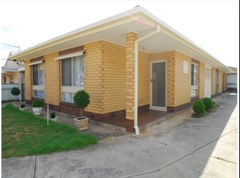 EasyRoommate AU - IDEALLY SUITED COUPLE OR WORKING PROFESSIONALS - Croydon, Adelaide - $325 pw