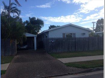 EasyRoommate AU - Spacious Room in Kirwan House - Kirwan, Townsville - $150 pw