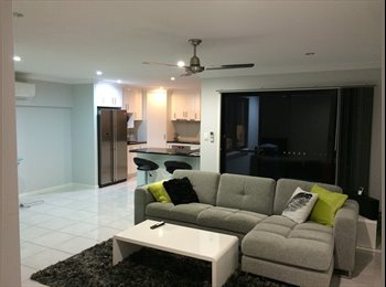 EasyRoommate AU - Queen-sized bedroom in quiet townhouse - Glenella, Mackay - $120 pw