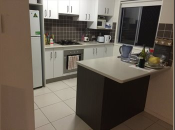 Room for rent in new townhouse