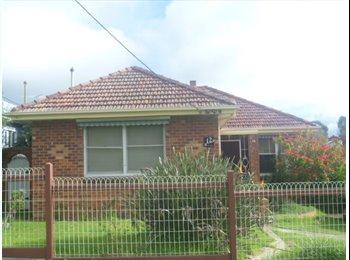 EasyRoommate AU - Housemate wanted in geelong west - Hamlyn Heights, Geelong - $108 pw