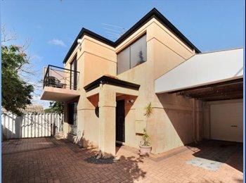 EasyRoommate AU - Large Bedroom Scarborough - Scarborough, Perth - $200 pw